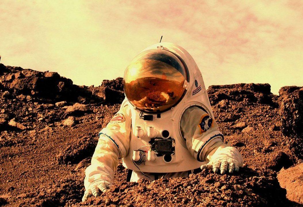 Representación de un astronauta en Marte