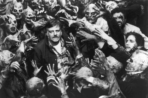 """George A. Romero,en la filmación de """"La noche de los muertos vivientes"""""""