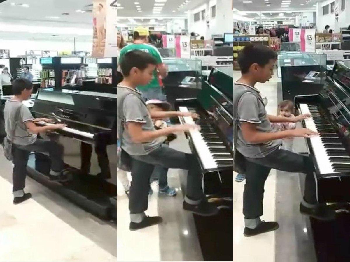 Niño pianista ofrece concierto en tienda