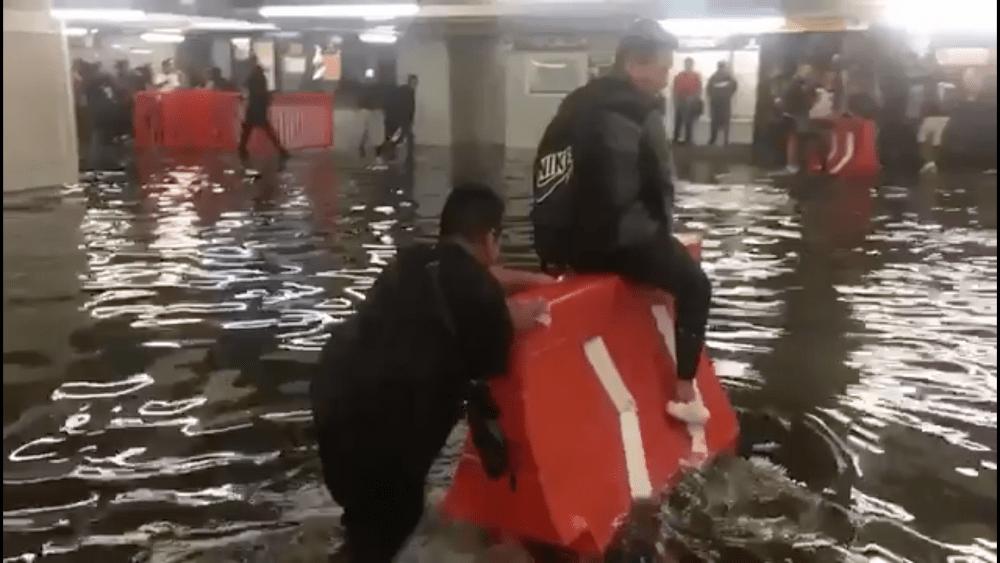 Inundación, Niños, Metro, Pantitlán, Inundado, Lluvias