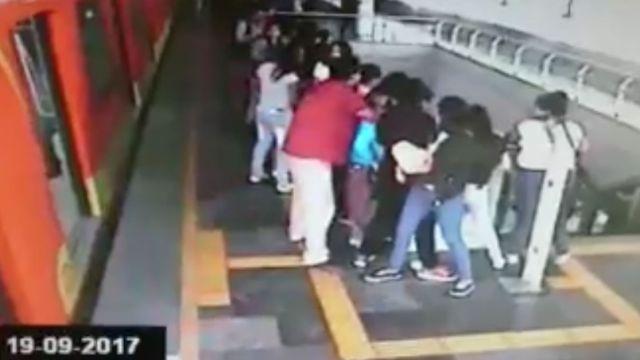 Metro de la CdMx el día del temblor