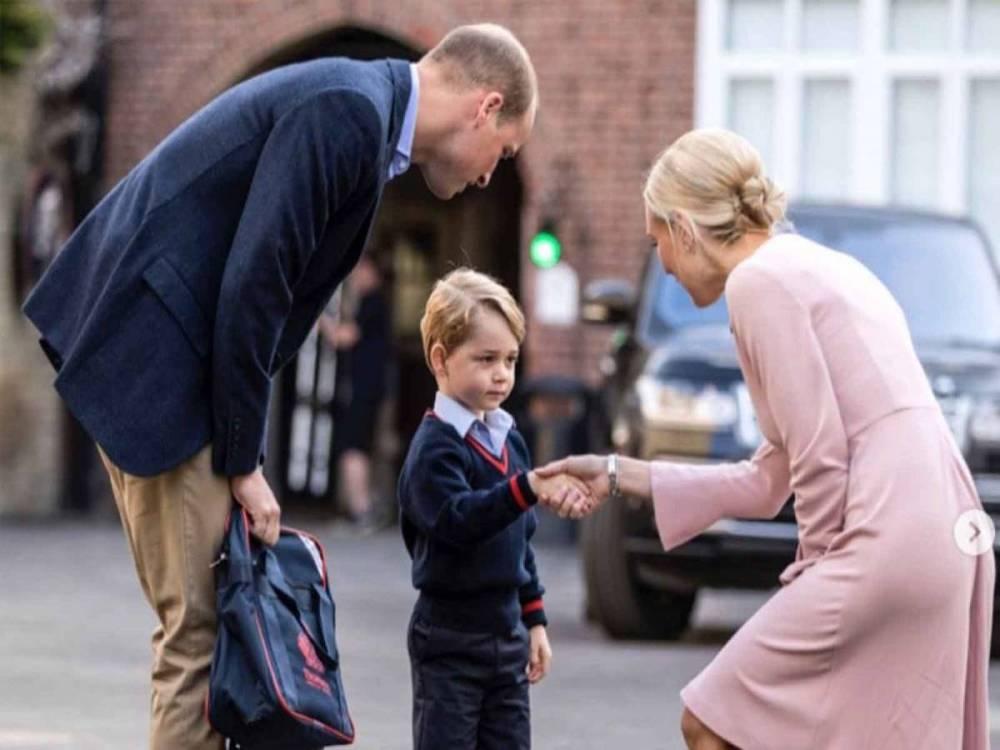 Príncipe George conquista redes primer día escuela