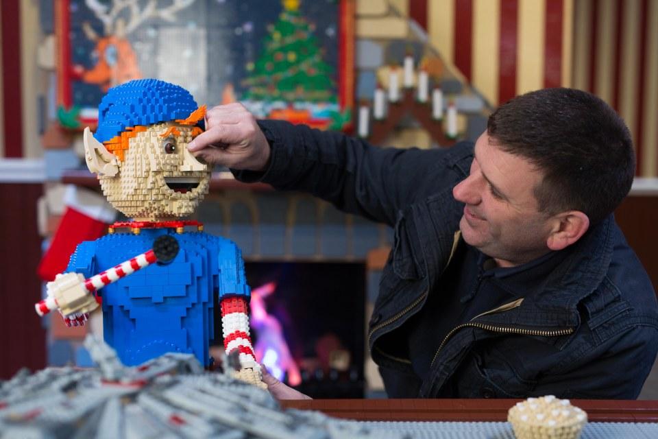 Conoce a Duncan Titmarsh, es un constructor certificado de Lego