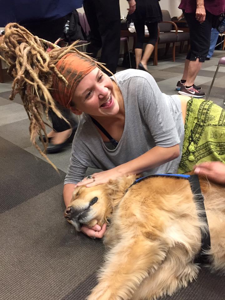 Perros terapéuticos viajan a Las Vegas para ayudar a víctimas del tiroteo