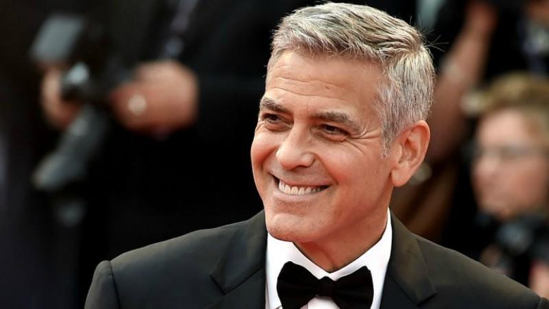 George Clooney regaló 1 millón de dólares a sus amigos