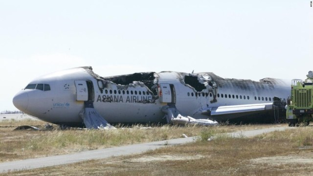Te decimos cómo sobrevivir a un accidente aéreo