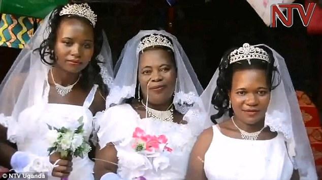 Se casó con sus tres novias el mismo día para ahorrar dinero