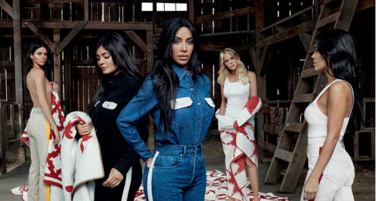 Kylie oculta embarazo Calvin Klein