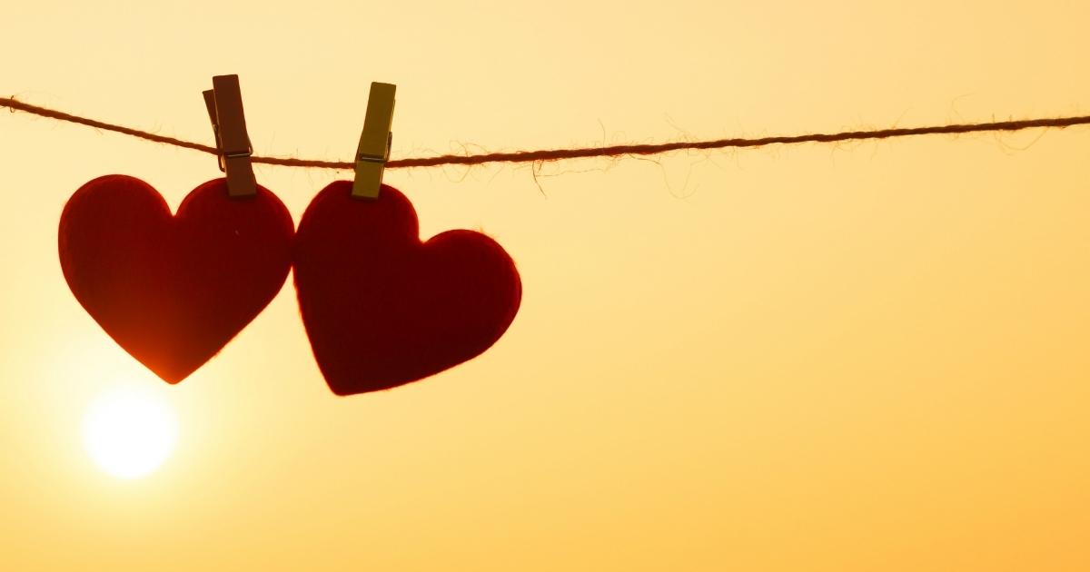 10 Poemas De Amor Que Puedes Dedicar Este San Valentin Erizos