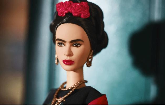 Frida Kahlo muñeca