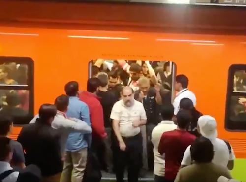 Filas-Metro-Zapata