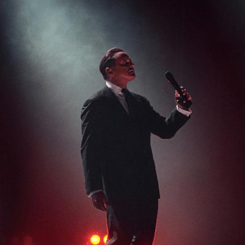 Luis Miguel paró el concierto para darle las gracias a una fan