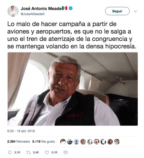 AMLO es criticado por rentar una avioneta