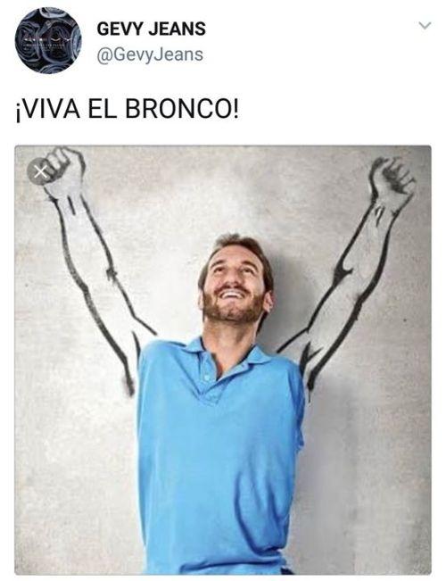 Memes de Bronco el mocha manos