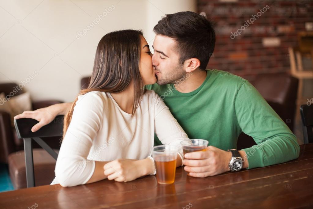 Parejas que beben juntas son mucho más felices: ciencia