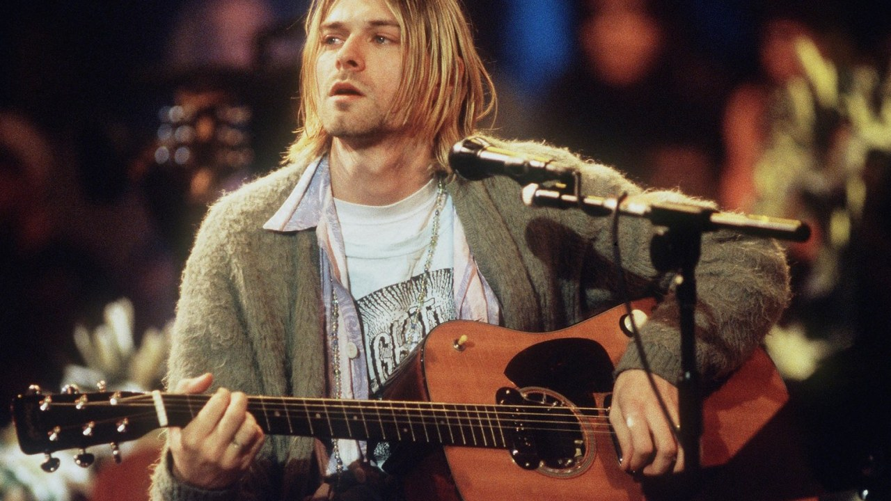 Frances-Bean-Kurt-Cobain-Nirvana-Guitarra