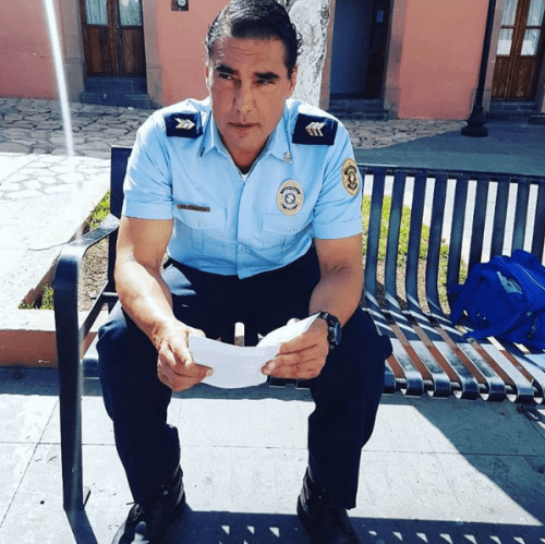 Eduardo Yañez cachetea a selor