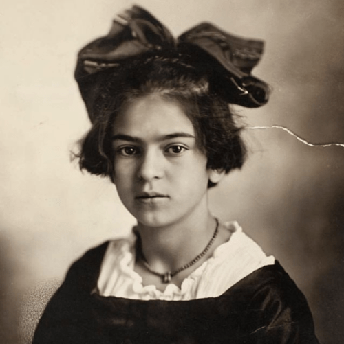 Helga Pataki fue inspirada en Frida Kahlo