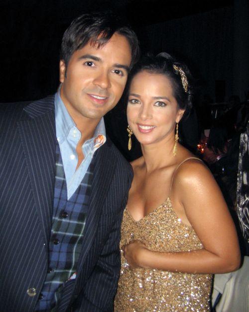 esposa de Luis Fonsi humilla a Adamari López