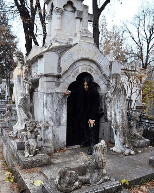 Mujer vampiro en rumania