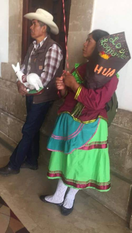 Graduación de indígena del Poli