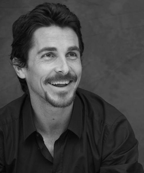 Christian Bale agradece a Satanás en los globos de oro
