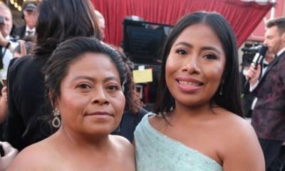 Mamá de Yalitza Aparicio asediada por los reporteros