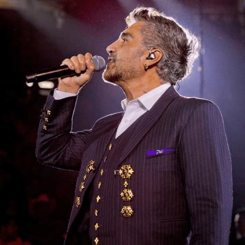 Alejandro Fernandez se cae de sentón en concierto