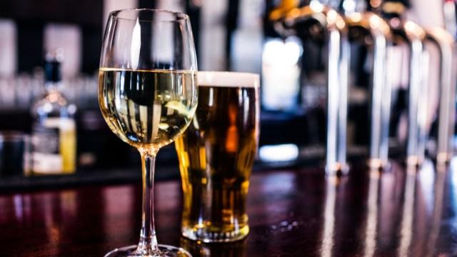 Gente Que No Toma Alcohol Muere Más Joven, Estudio Gente Que No Bebe Muere Más Joven, Alcohol, Esperanza Vida, Estudio, Beber