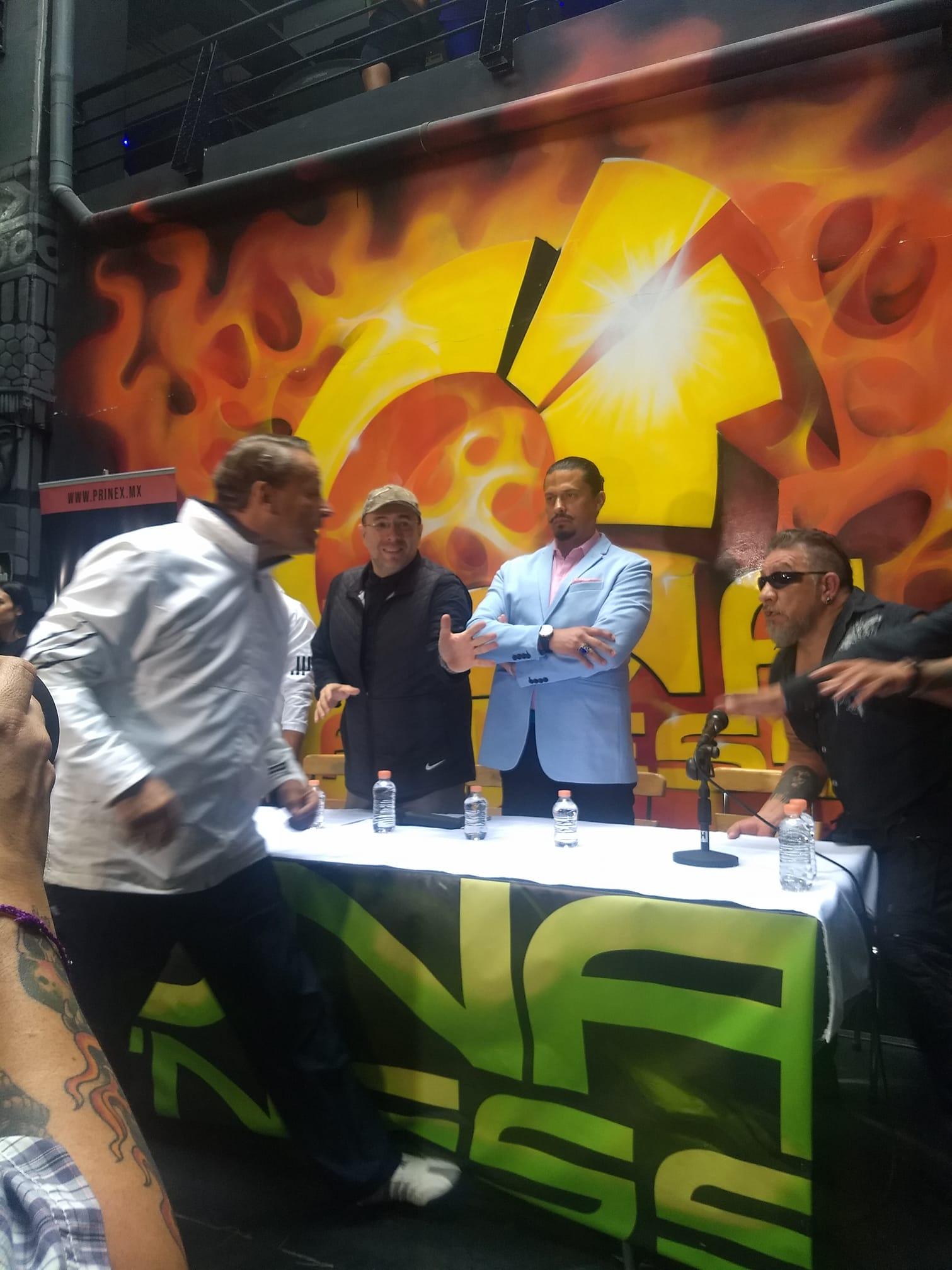 Carlos Trejo agrede a Alfredo Adame en conferencia de pelea