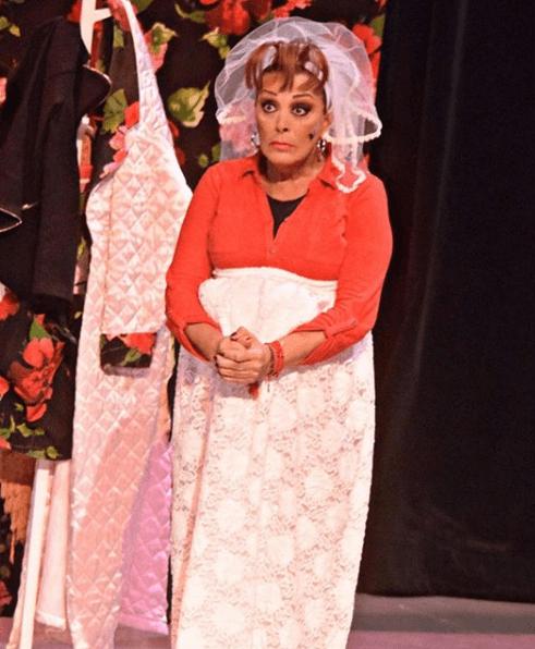 Sylvia Pasquel se disloca el hombro durante función de teatro