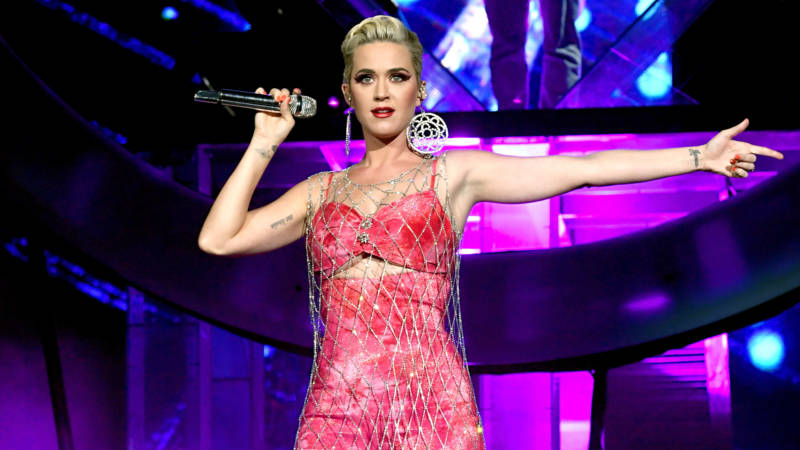 Katy Perry acusada acoso sexual por modelo de Teenage Dream