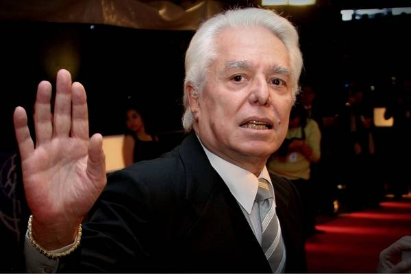 """Enrique Guzmán llama """"vieja metiche"""" a Carmen Salinas"""