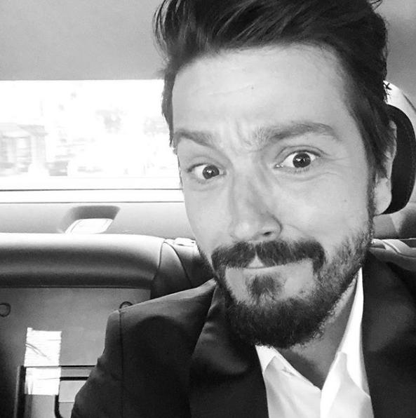 Tesorito se molesta con Diego Luna por avergonzarse de sus telenovelas