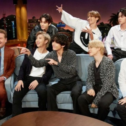 BTS presenta Black Swan en The Late Show de James Corden