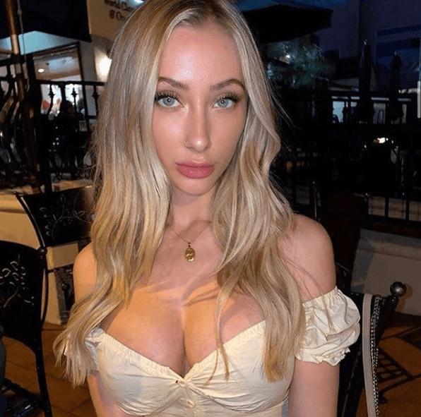 Modelo australiana vende sus nudes para combatir incendios en Australia