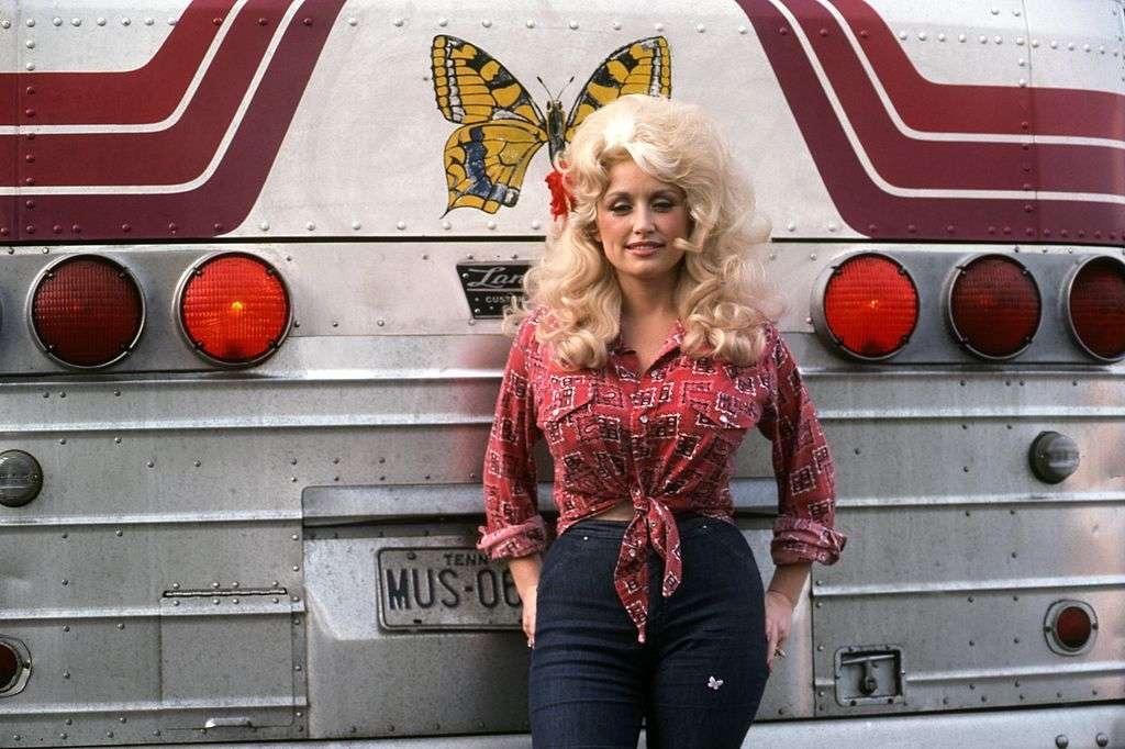 Dolly Parton quiere ser portada de Playboy a sus 75 años