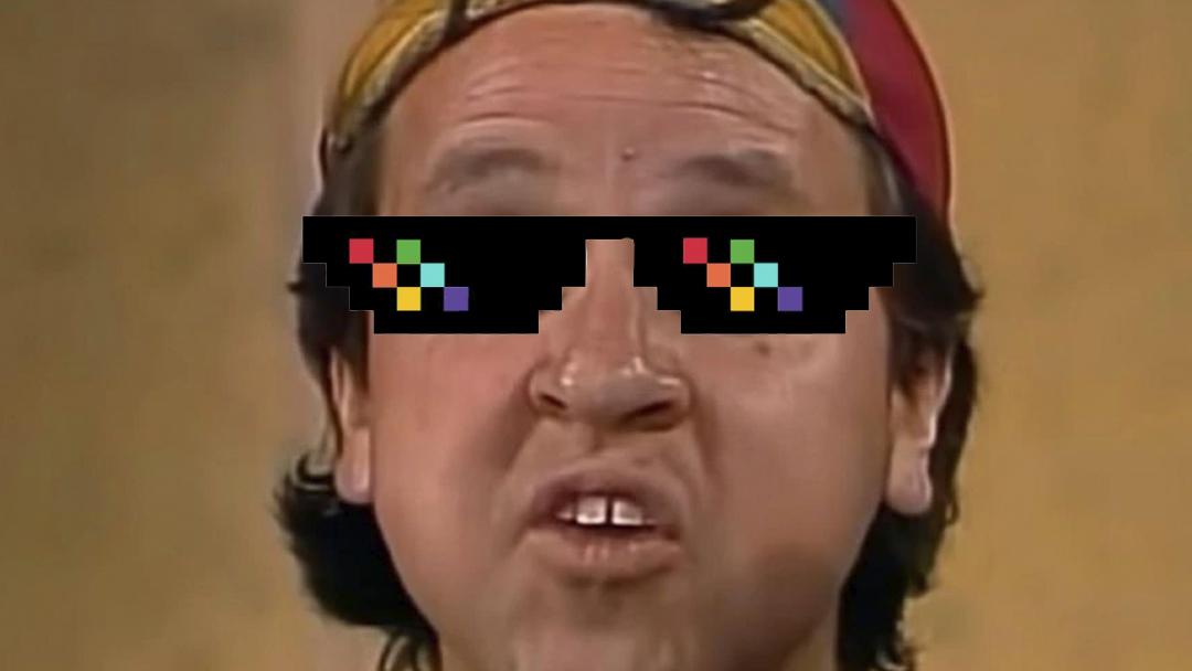 Carlos Villagran alias quico con lentes dice que coronavirus no existe