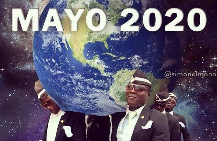 Meme de los negros y el ataud