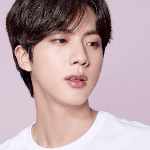 El día que Jin desapareció de BTS (y reapareció a medias)