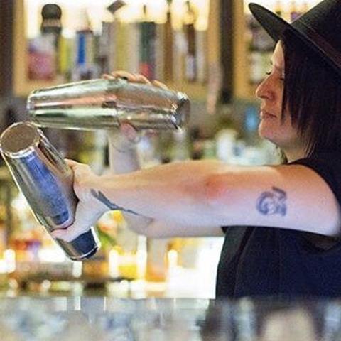 La mejor bartender del mundo podría ser Claudia Cabrera, orgullosamente mexicana