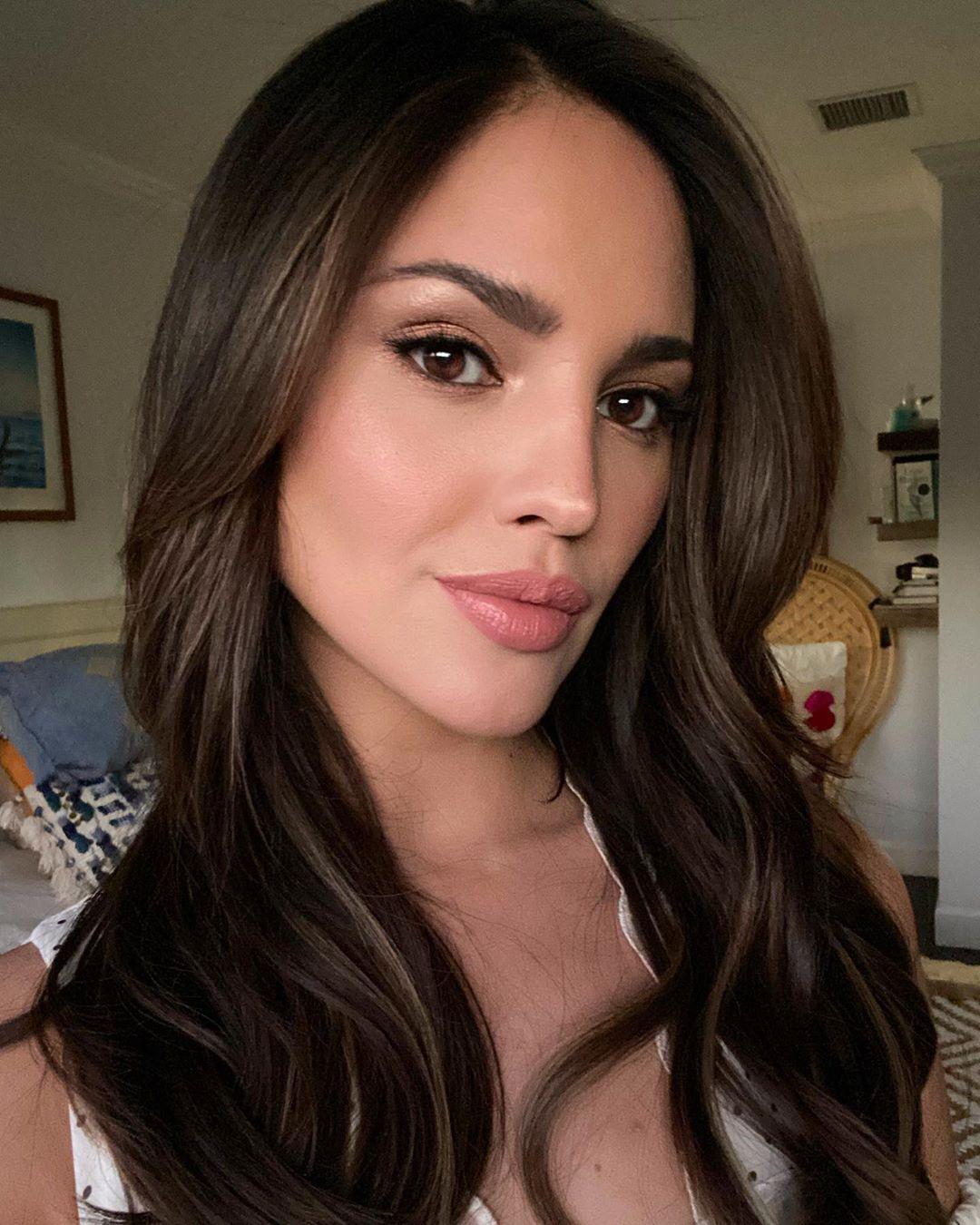 Eiza González se ve diferente tras nuevas cirugías plásticas