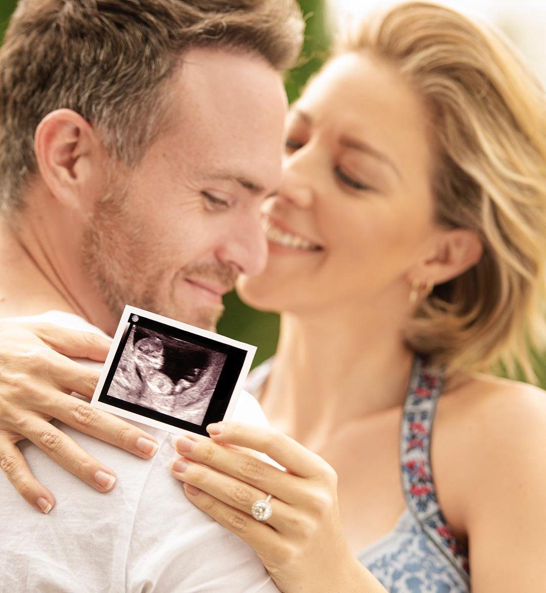 """""""Somos Tres"""": Erik Hayser y Fernanda Del Castillo anuncian con emoción que esperan a su primer hijo"""