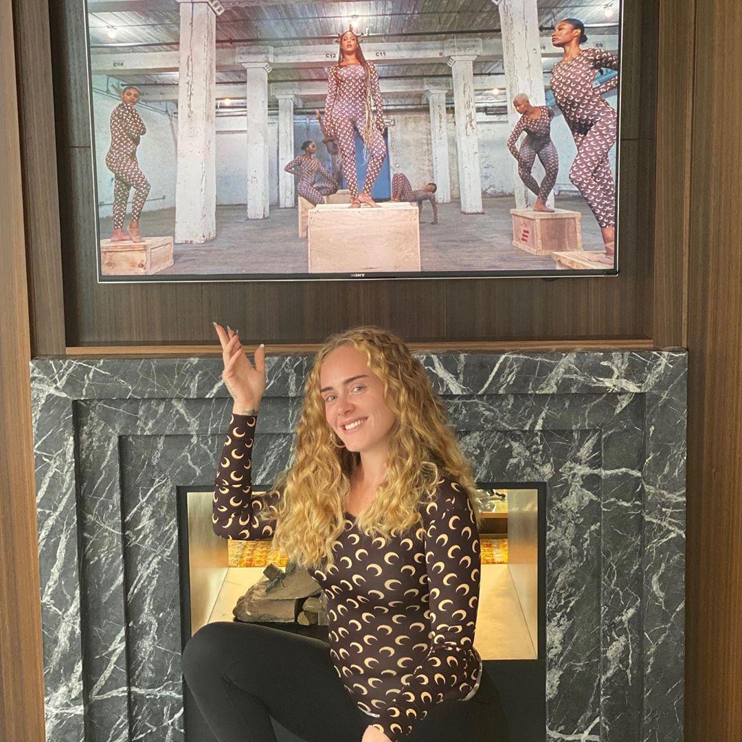 Foto: Adele luce irreconocible mientras da apoyo a Beyoncé
