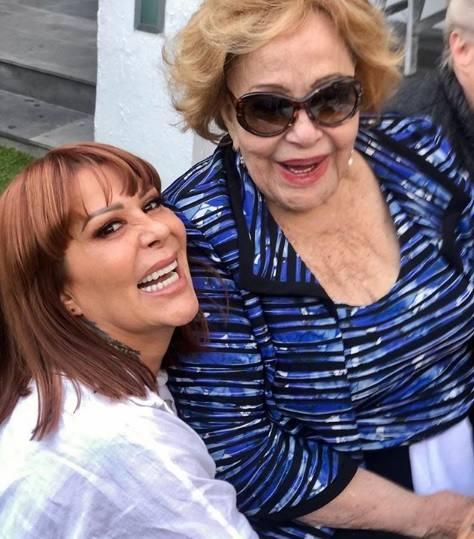 Critican a Alejandra Guzmán y Silvia Pinal por subir foto sin filtros
