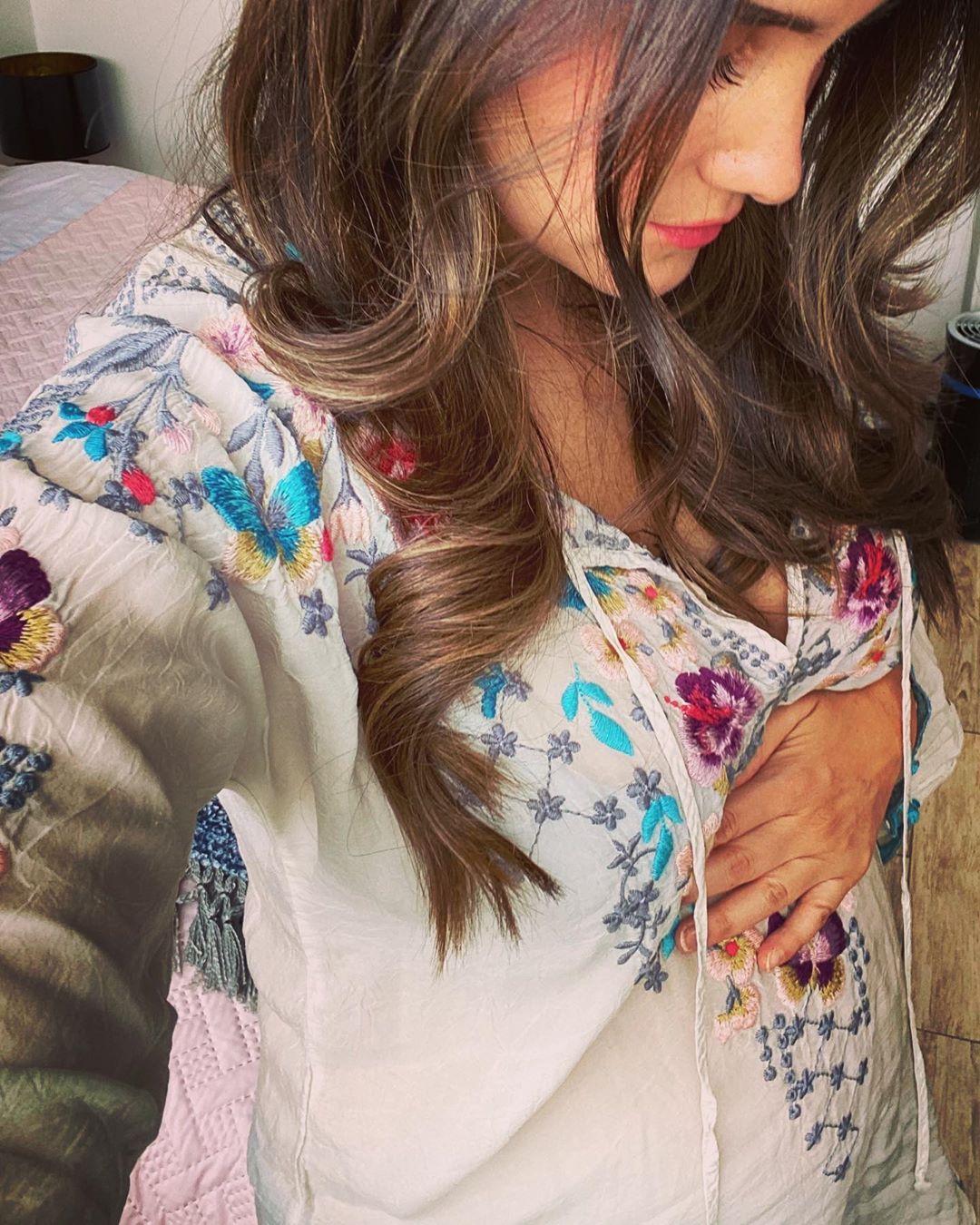Dulce María muestra fotos embarazada por primera vez