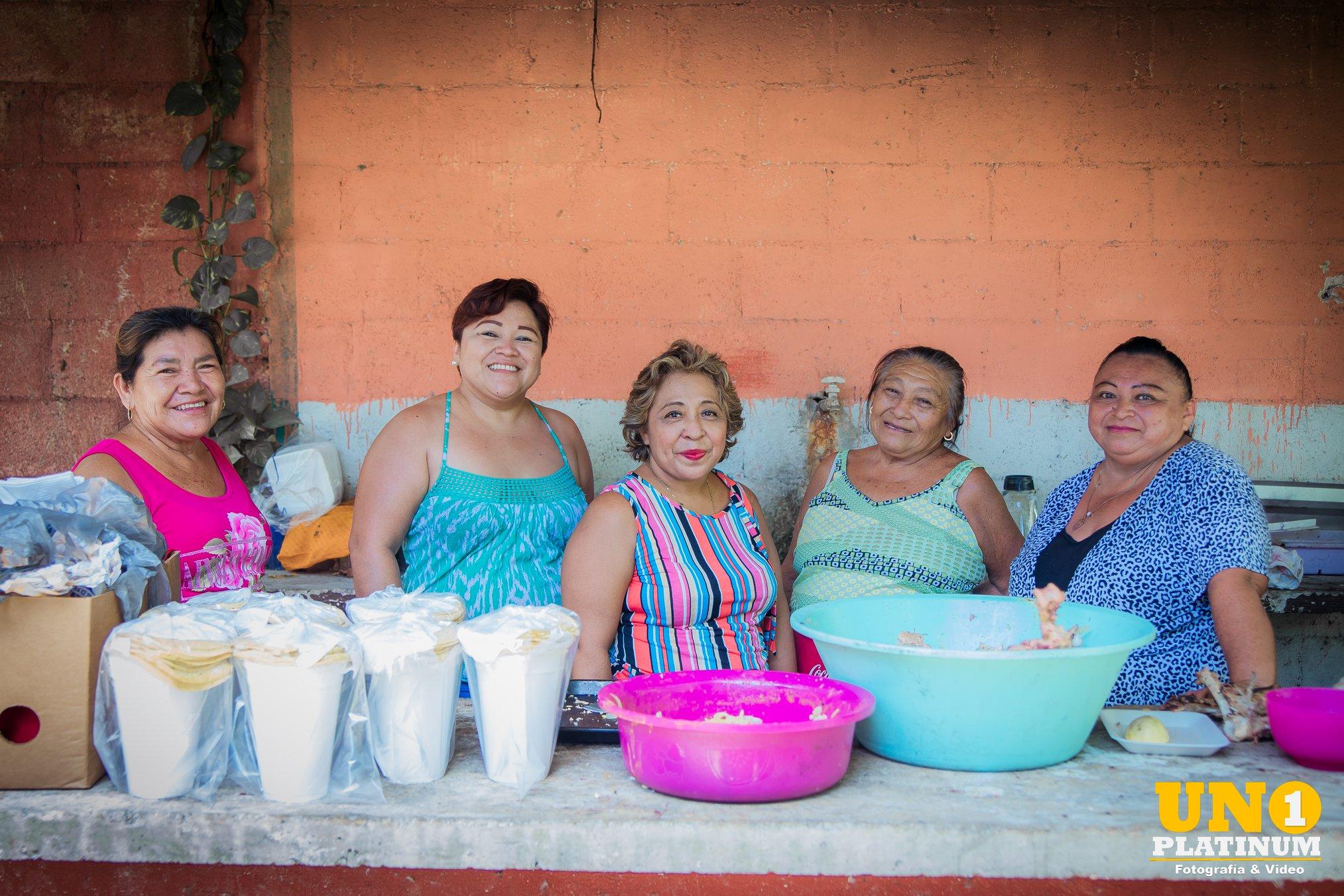 Quinceañera usa dinero de su fiesta para ayudar a personas