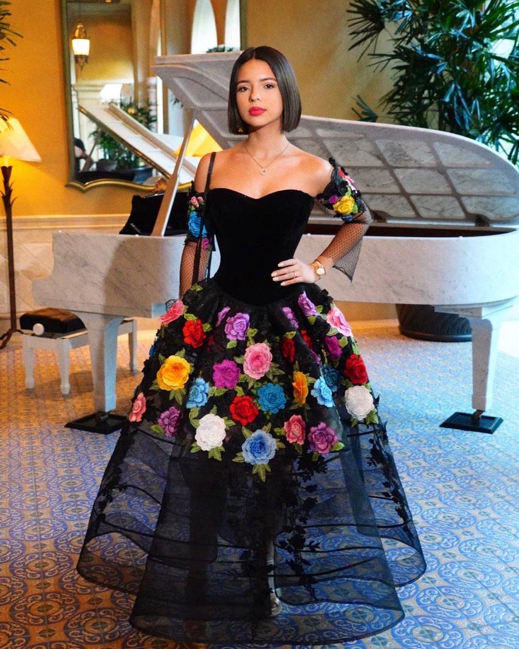 Ángela Aguilar Vestido Negro