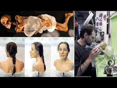 Encuentran momia de hace 2,500 años con tatuajes y una bolsa de marihuana