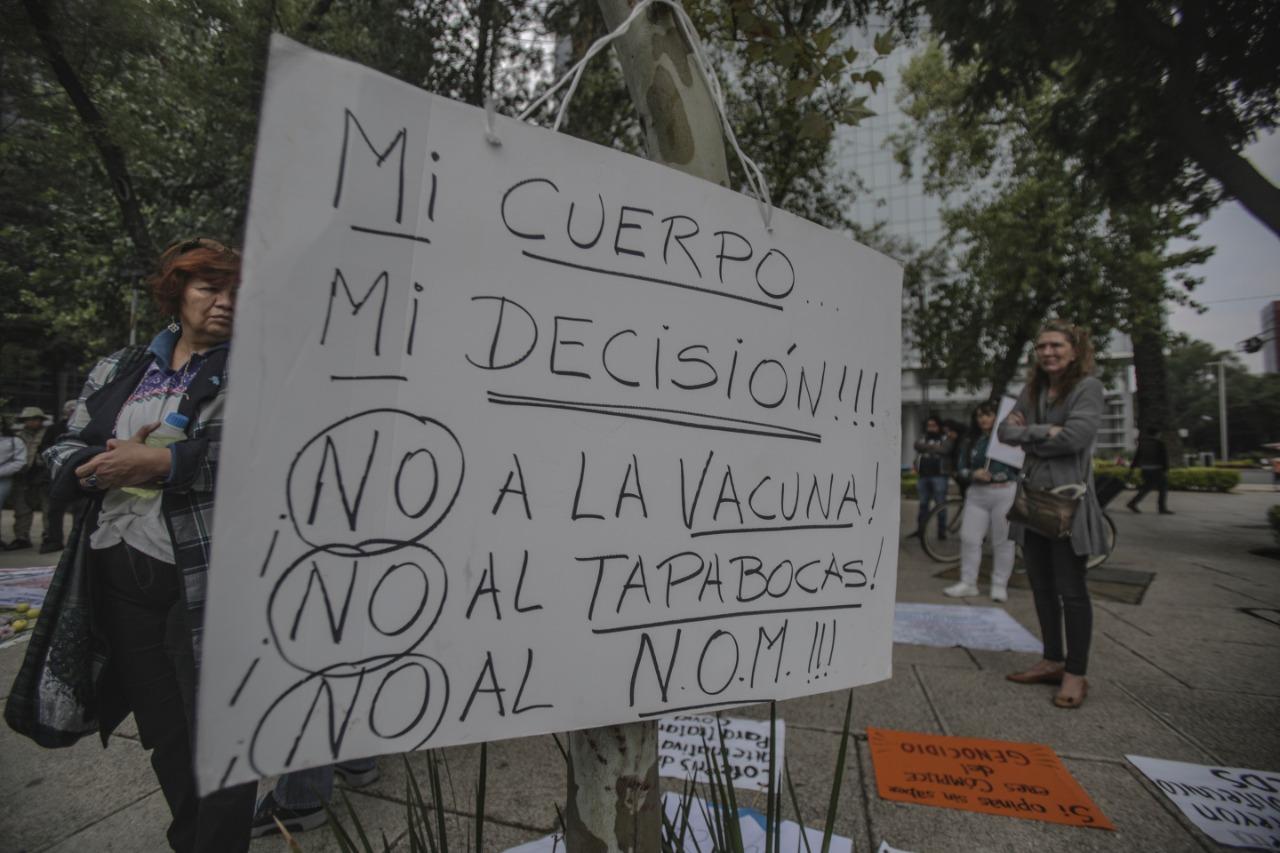 Hacen manifestación a favor del dióxido de cloro y en contra del cubrebocas en CDMX